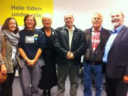 Kunnskapsminister Kristin Halvorsen besøkte IKEA Sørlandsparken for å bli informert om Basiskompetansekursene 2012. Her er 3 elever sammen med kunnskapsminister, lærer Hans Lund og Erik Rostoft, daglig leder av SPN.